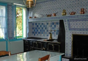 Giverny Monet backsplash tiles