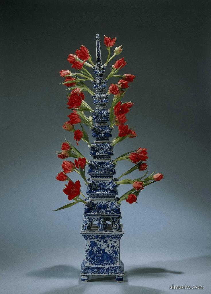 tulip vase tulipiere Delft