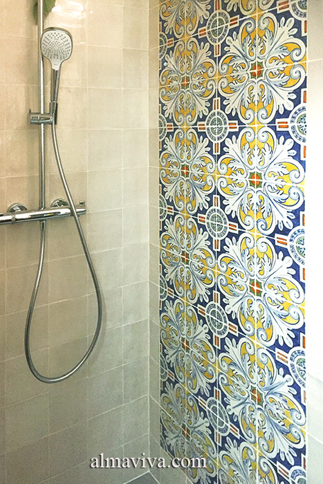 Shower decorated with acanthus leaf pattern tiles from El Escorial Palace near Madrid. Tiles 15x15 cm (about 6''x6'')