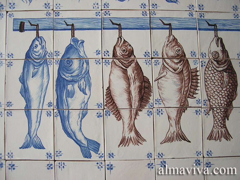 Ref. A24 - An example of trompe l'oeil: hanging fish